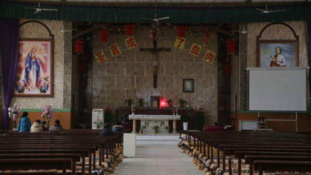 董冠華地下教會附近附近的官方認可教堂信徒寥寥
