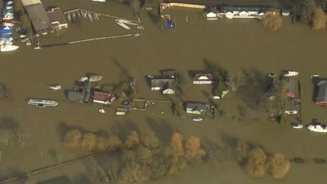 薩里郡洪水