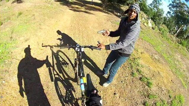 Ladrones roban bicicleta en Sudáfrica
