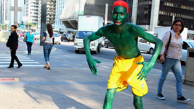 football_brazil_fan