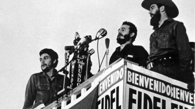 """Castro, """"Che"""" Guevara y Camilo Cienfuegos en La Habana 1.959. Foto: Getty Images"""