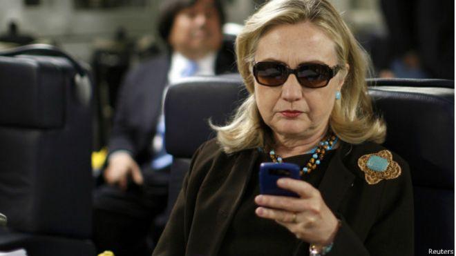 Хиллари Клинтон. Стрельба по бегающим целям