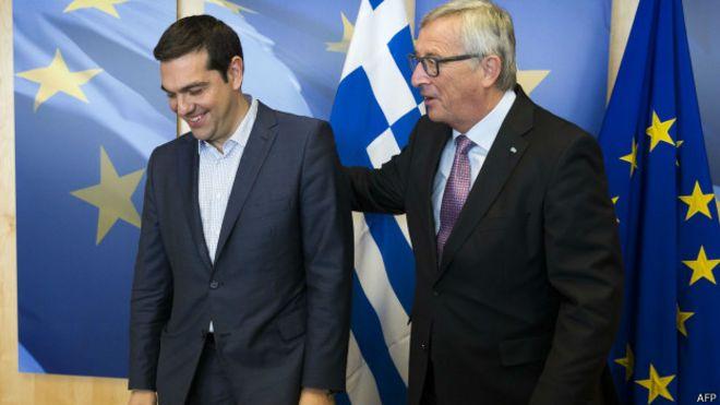 El primer ministro Tsipras y el presidente de la Comisión, Jean-Claude Juncker, han visualizado en las úiltimas horas el alejamiento de sus posturas.