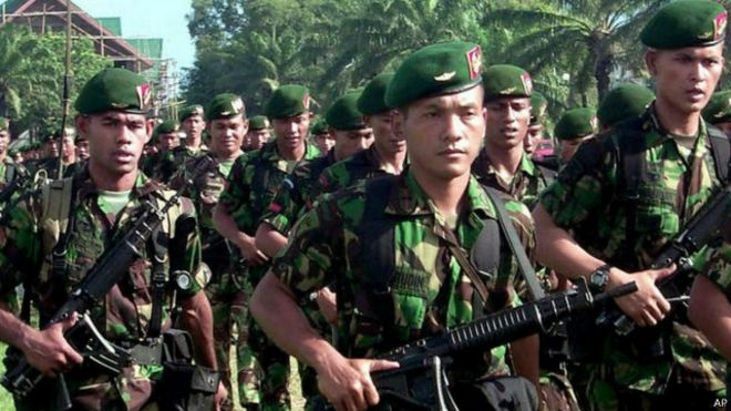 http://ichef-1.bbci.co.uk/news/ws/660/amz/worldservice/live/assets/images/2015/08/14/150814093031_indonesian_troop_in_aceh_640x360_ap.jpg