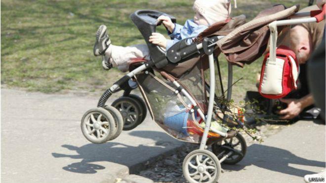 Блог мами: візком по соціальному інфантилізму