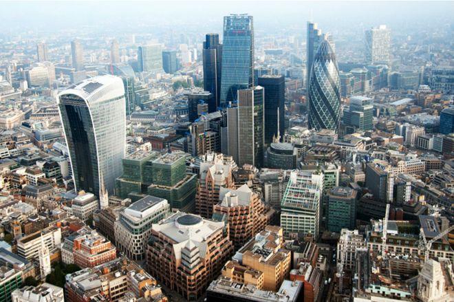 楊威博士指出,英國並非沒有在城市規劃建設上走過彎路,實際上也嘗過規劃中過度考慮機動車發展而得到教訓、導致思想轉變的過程。