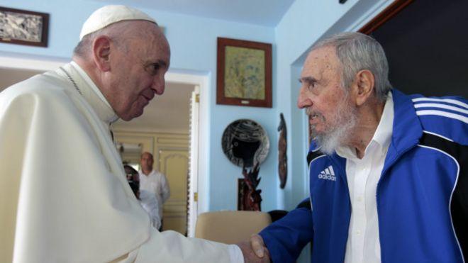Папа встречается с Фиделем Кастро