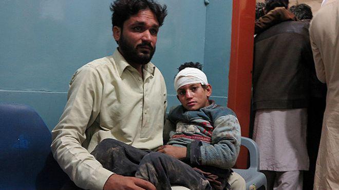 Un terremoto de magnitud 7,5 sacude Afganistán, Pakistán y el norte de la India 151026121315_earthquake_afghanistan_pakistan_624x351_ap_nocredit