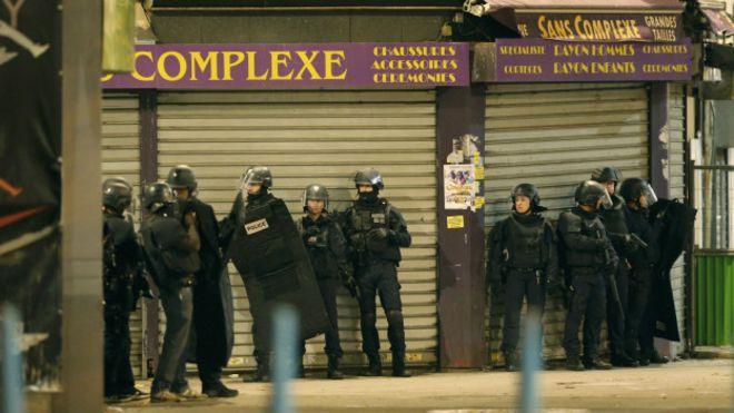 El operativo se realiza en el mismo distrito donde se encuentra el Estadio de Francia y se detonaron bombas el viernes.