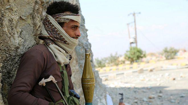 متابعة مستجدات الساحة اليمنية - صفحة 5 160104084644_yemen_fighter_640x360_reuters_nocredit