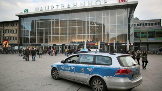 Arredores da estação de trem foram palco de ataques sexuais contra mulheres (Foto: AFP)