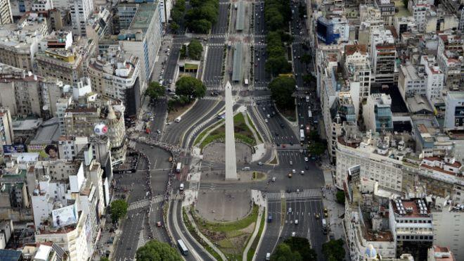 El Obelisco en la Avenida 9 de Julio
