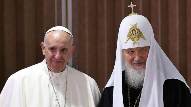 لقاء تاريخي بين الأرثوذكس والكاثوليك من أجل مسيحي الشرق الأوسط 160213010513_pope_ki
