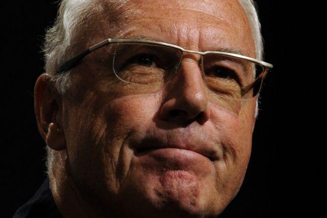 FIFA multa y advierte a Franz Beckenbauer