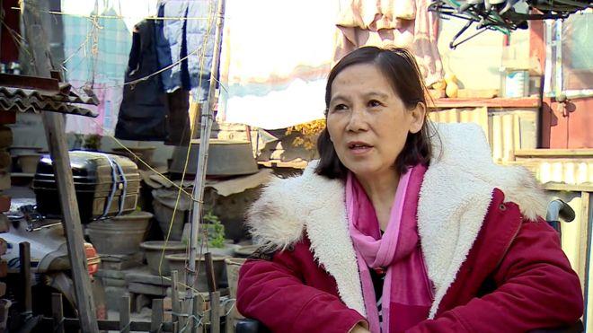 倪玉兰在北京家中接受BBC采访(3/2016)