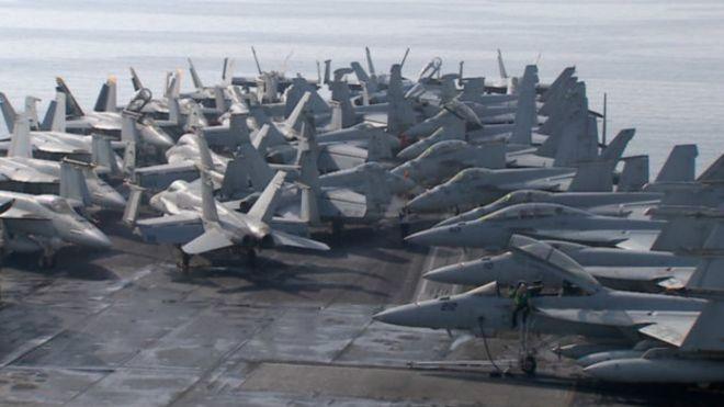Aviones de combate sobre el USS Harry S Truman