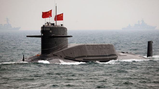 一艘中国海军潜艇(资料图片)