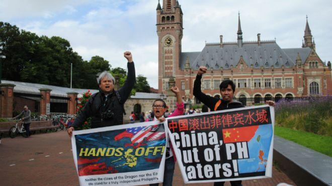 1.Tòa PCA bác bỏ 'đường chín đoạn' (BBC)2.Phản ứng của các nước(RFA)3.Người Việt học từ ..(VOA)4.