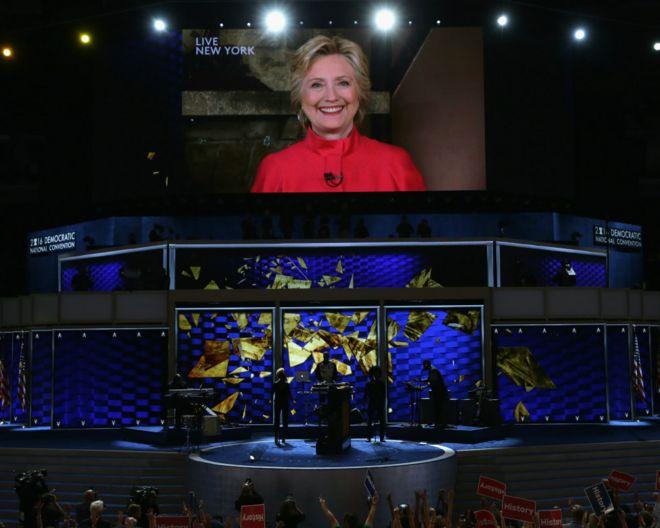 希拉里·克林顿从纽约连线费城民主党党代会(26/7/2016)