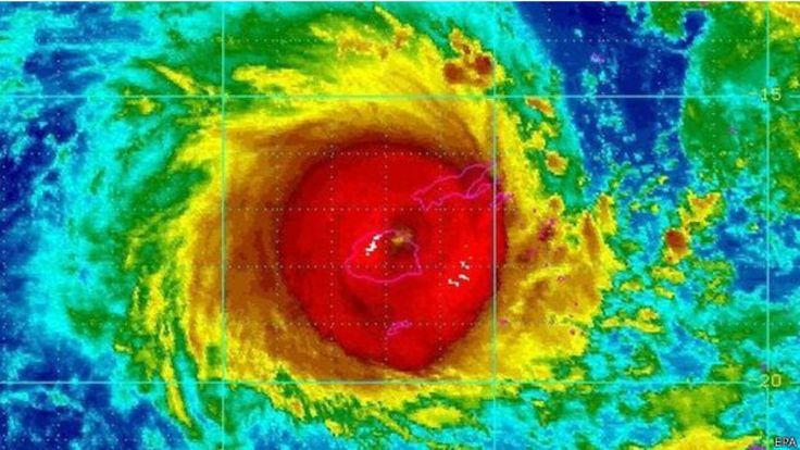 氣象衛星圖顯示超強熱帶氣旋溫斯頓橫過斐濟(20/2/2016)