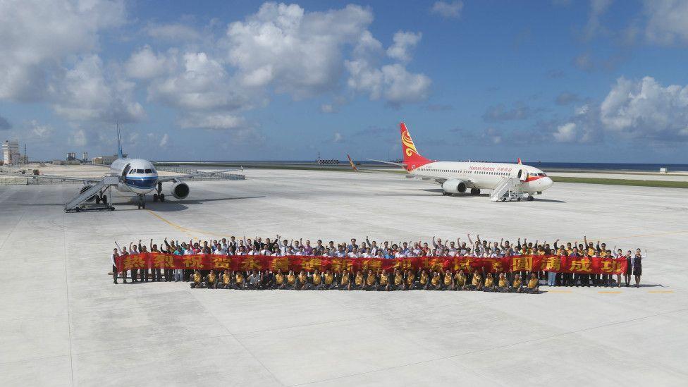Trung Quốc thử đáp phi cơ xuống đường băng trên đảo ở Trường Sa