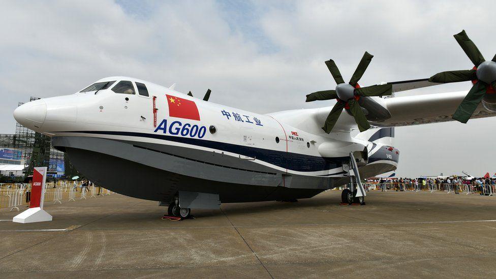 中國中航工業大型水陸兩棲飛機AG600在珠海航展現場展示(新華社圖片26/10/2016)