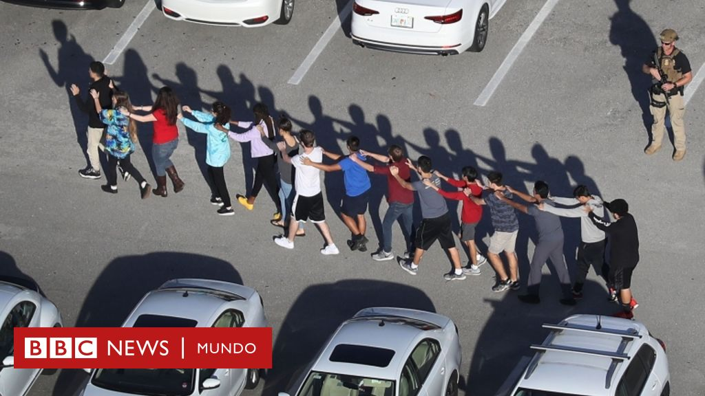 Tiroteo en Parkland: Las autoridades de Florida confirman 17 muertos en un tiroteo en una escuela secundaria