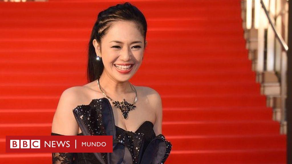 Sora aoi la estrella porno japonesa que ense a toda una for Videos porno sexo en la piscina