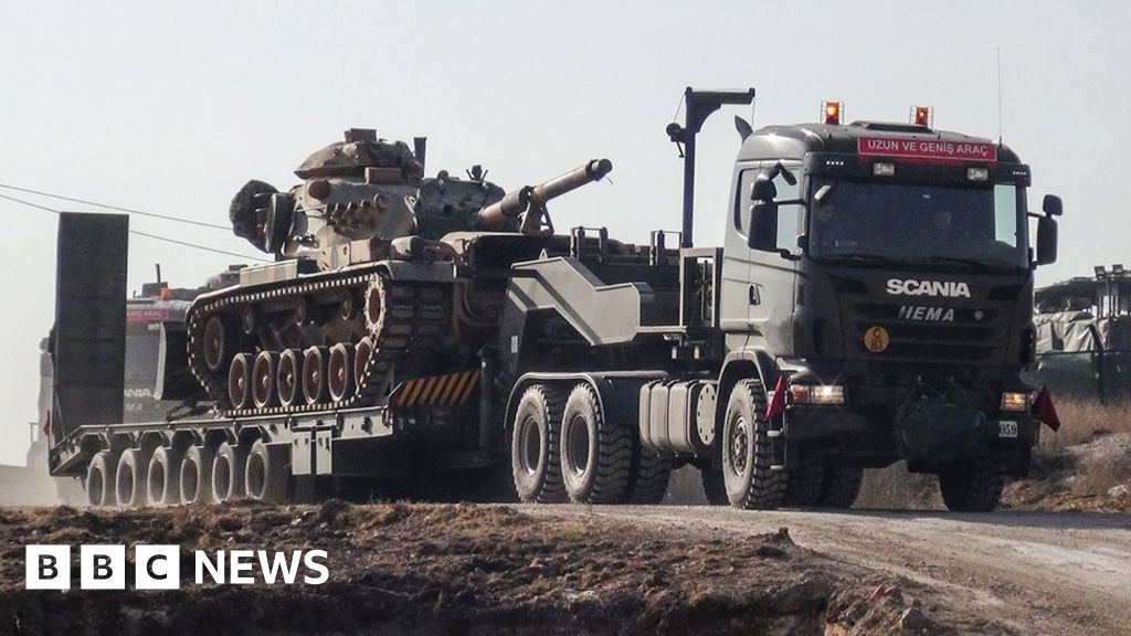 Syria war: Turkish forces mass near Kurdish areas