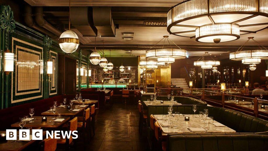 jamie oliver closes flagship barbecoa restaurant bbc news. Black Bedroom Furniture Sets. Home Design Ideas