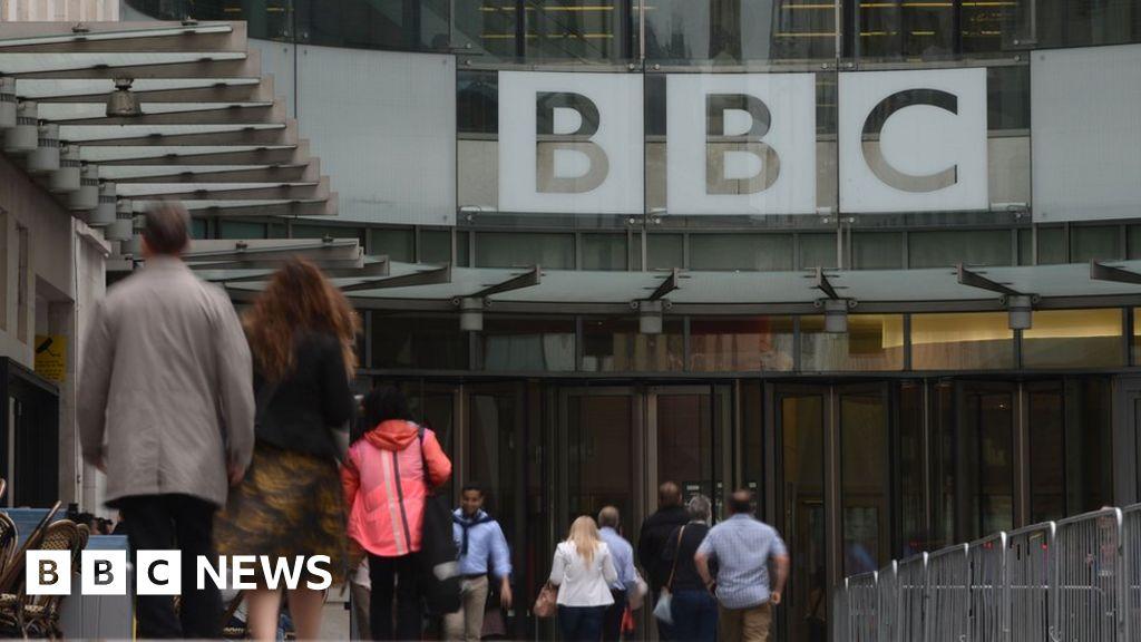 BBC proposes £320,000 news presenter pay cap