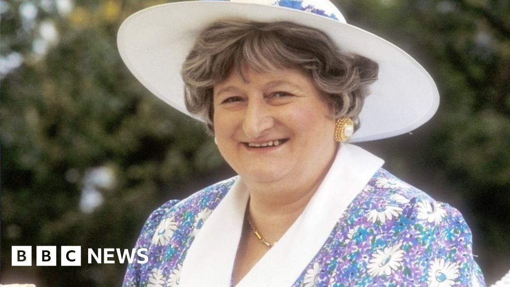 Comedy actress Bella Emberg dies