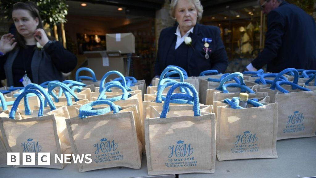 Wedding Gift Online: Royal Wedding 2018: Guests Sell Gift Bags Online
