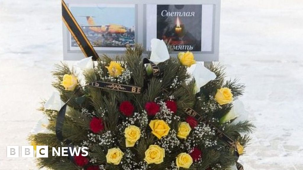 Russia plane crash: Who were the victims?