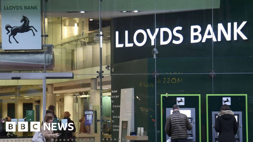 Lloyds creates fund for firms hit by Carillion collapse