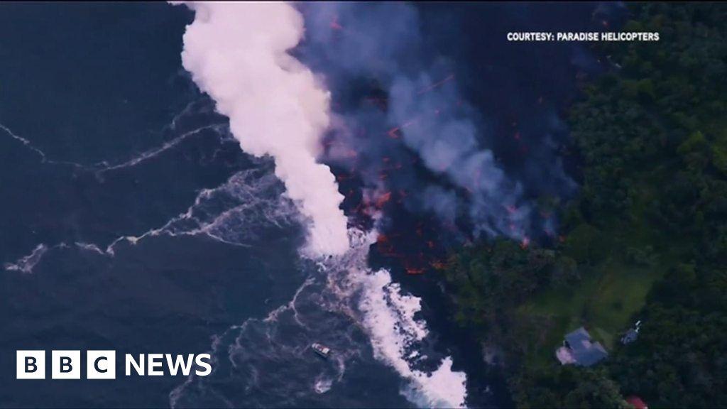 101656878 p067s4dq - Vog: When lava hits the ocean