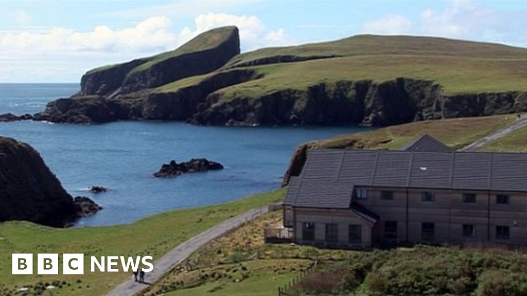 Bid to boost Fair Isle population launched - BBC News