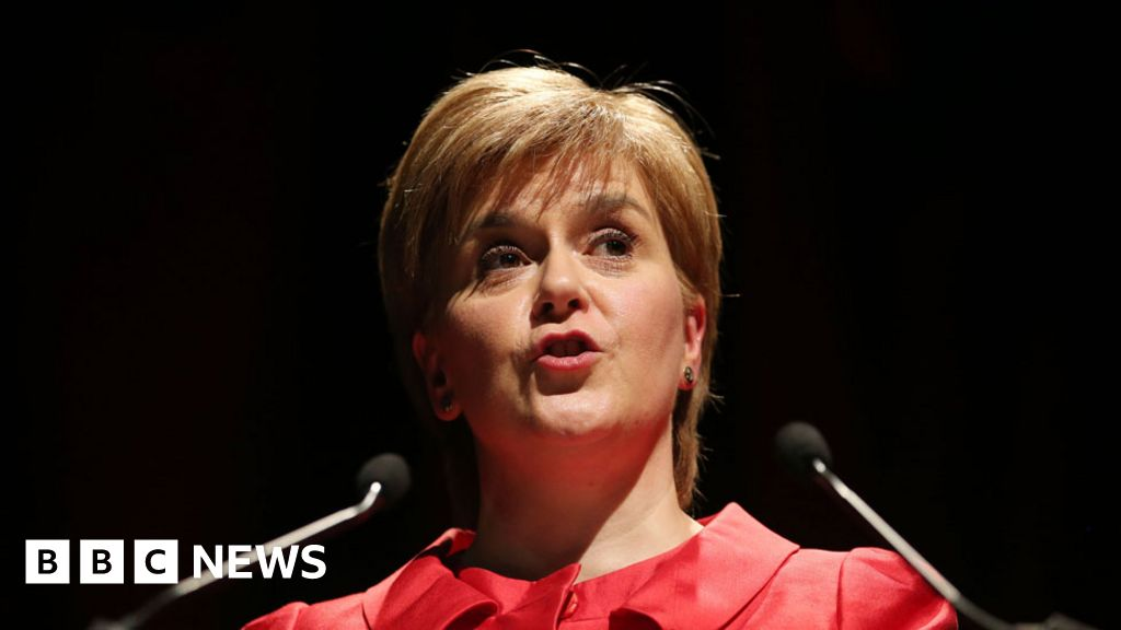 Nicola Sturgeon holds talks with Isle of Man over scallop fishing rules