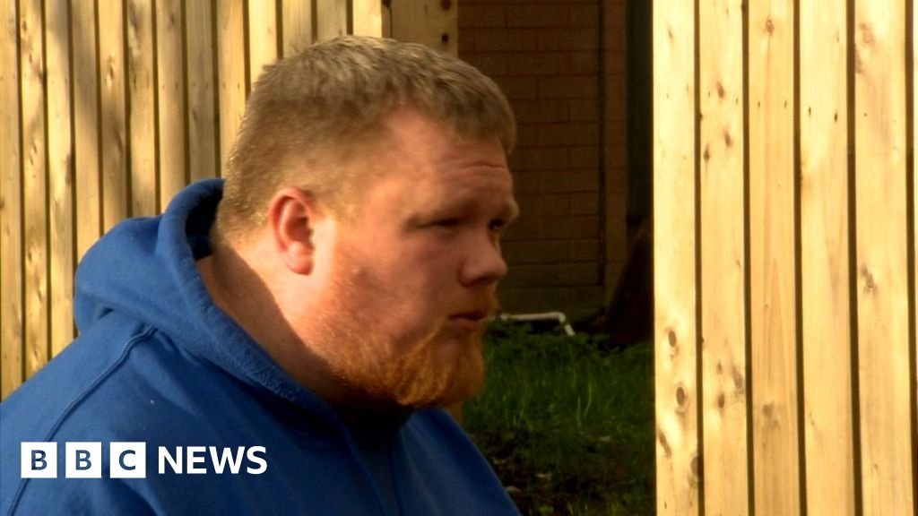 Paedophile hunter accused in custody after bail breach