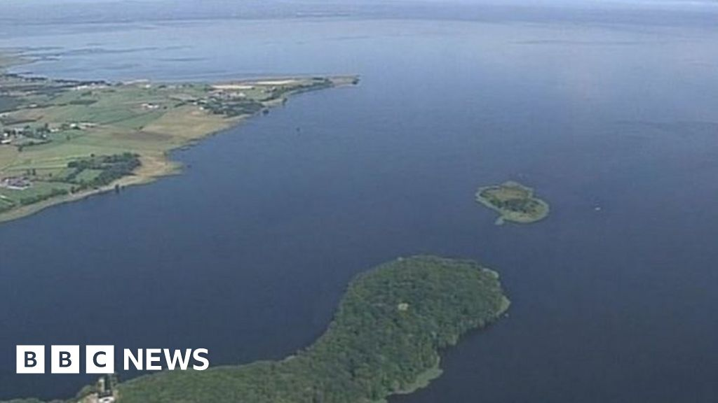 Lough Neagh sand dredging challenged by environmentalists