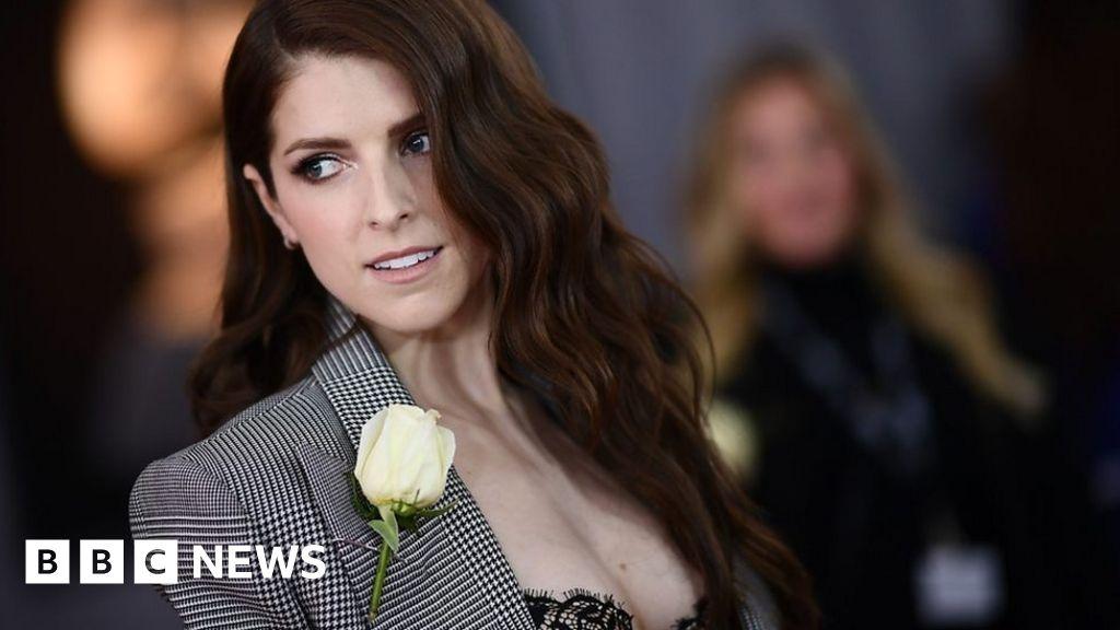 Grammys 2018: Why stars wore white roses