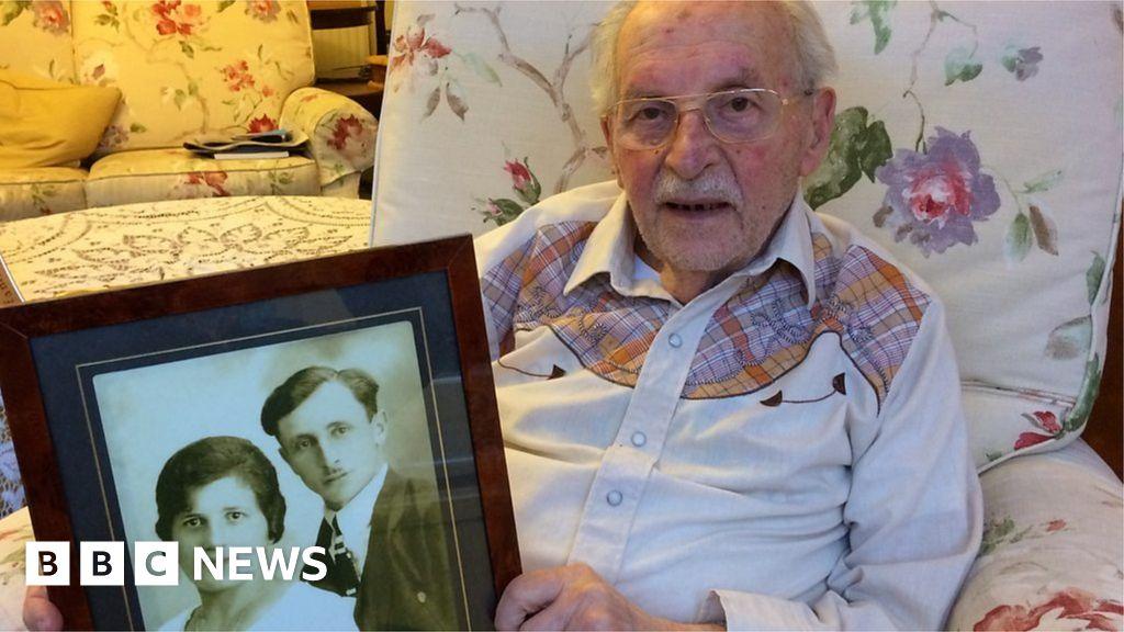 Kindertransport children: Man, 93, recalls fleeing Nazi Germany