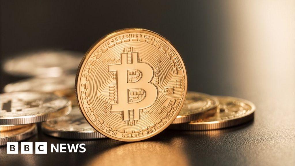 Bitcoin falls below $6,000