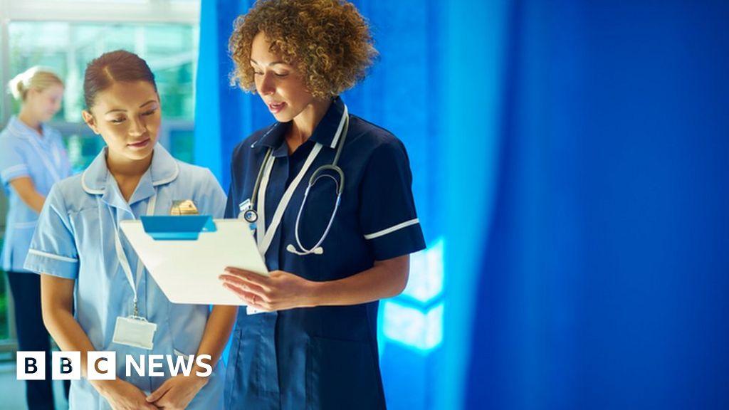 Health service 'haemorrhaging' nurses
