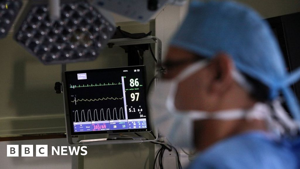 Curb rising NHS negligence payouts, health leaders urge