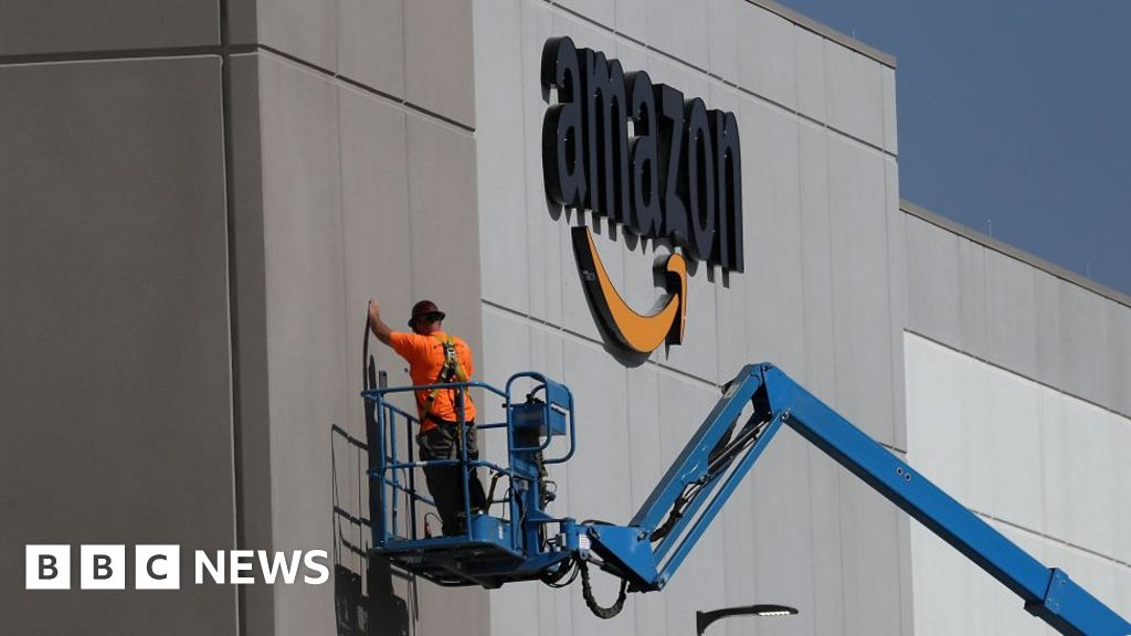 Amazon shortlists 20 sites for new HQ