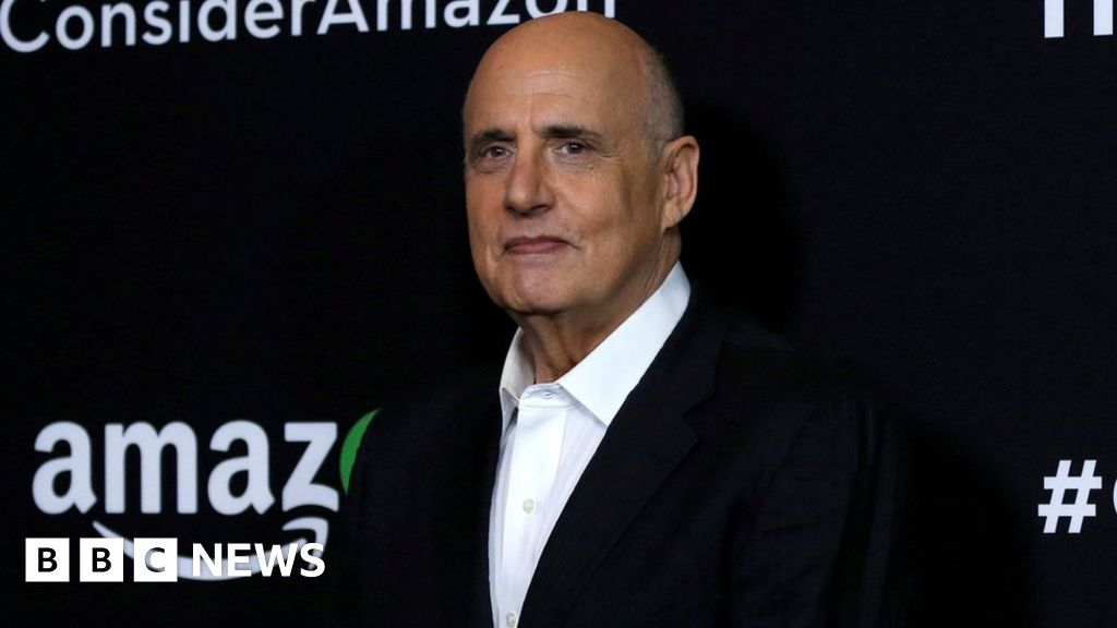 Jeffrey Tambor criticises Amazon over sexual harassment investigation