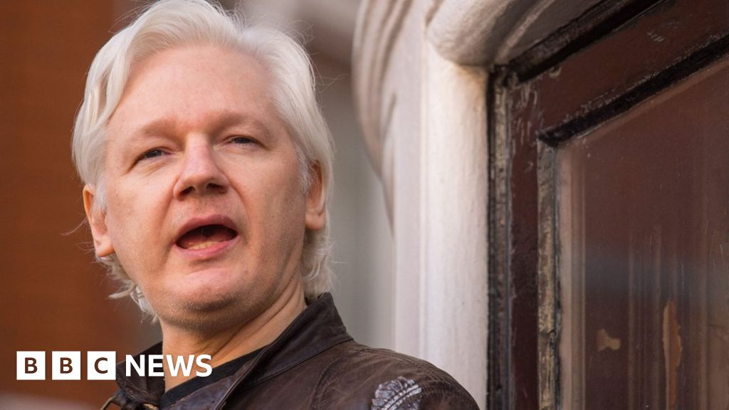 Warrant for arrest of Assange upheld
