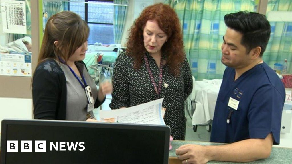 'Catastrophic' rise in A&E long waits
