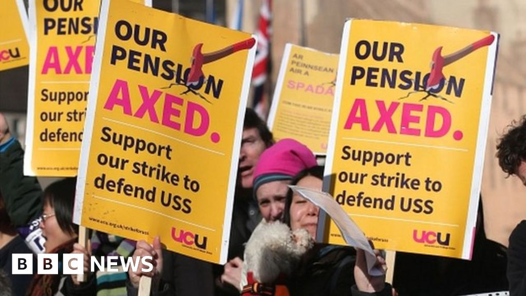 University strikers reject pension deal